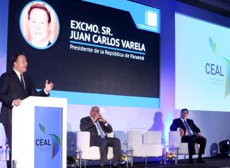 """""""Panamá cuenta con una economía fuerte y con crecimiento sostenible"""", asegura Varela ante el CEAL"""