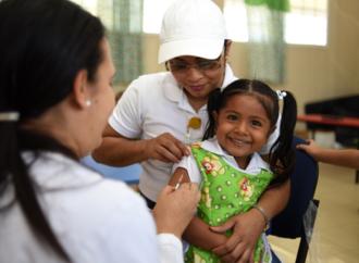 Enfermerasde la policlínica Dr. Juan Vega Méndez de San Carlos, aplicaron vacunas contra la Rubéola y Sarampión
