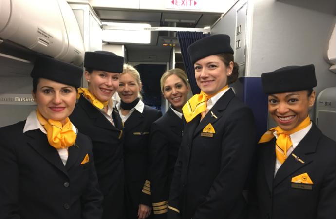 6 tripulaciones femeninas al mando de aviones de Lufthansa