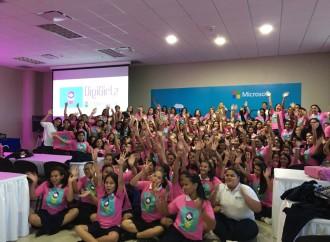 Microsoft promueve interés por Ciencia y Tecnología en las jóvenes