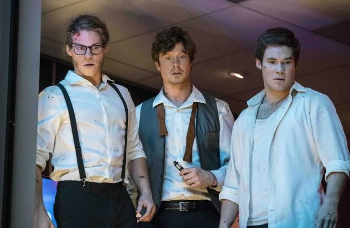 Dale un vistazo al tráiler de Game Over, Man!, una película de Netflix