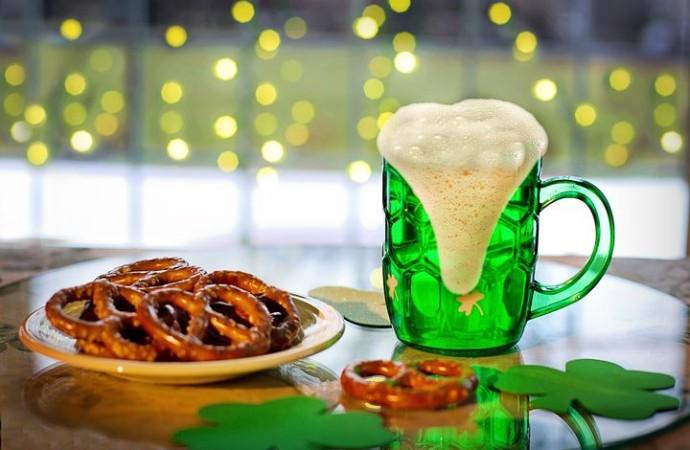 Día de San Patricio: cómo reducir los riesgos de la hiperconectividad y el alcohol