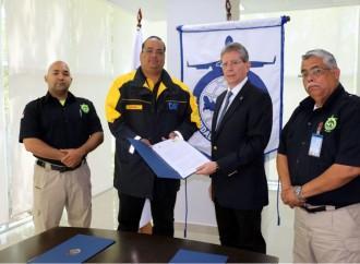 DHL y Autoridad Aeronáutica Civil acuerdan trabajar juntos ante eventuales desastres