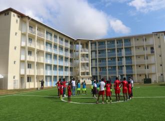 Presidente Varela entrega 510 apartamentos de la segunda etapa del proyecto Altos de Los Lagos