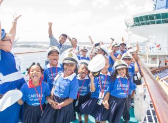 Por primera vez en Panamá y aprovechando la escala del buque Monarch en Colón, 80 niños participan en 'Capitán por un día'