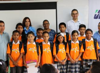 Programa Becas Tutoría de Jinro Corp., beneficia a 100 niños de Colón