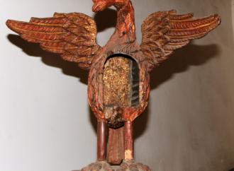 Pieza del mes de abril en el MARC: Pelicano del siglo XVIII; guardián del Santo Sacramento