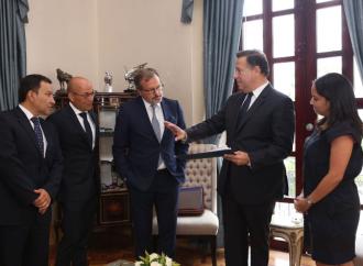 Presidente Varela presenta a directivo de Pullmantur los detalles de la Terminal de Cruceros de Amador