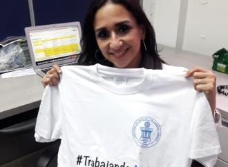 MITRADEL promueve campaña institucional #TrabajandoAndo con entrega de camisetas