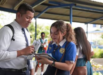 POVE orientó a más de mil estudiantes graduandos sobre la tendencia ocupacional