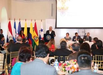 Expertos de competitividad de América Latina se reúnen en Panamá para analizar el futuro del sector