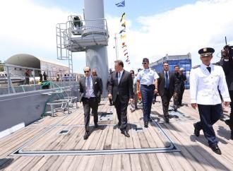 Presidente Varela entrega nueva barcaza al SENAN
