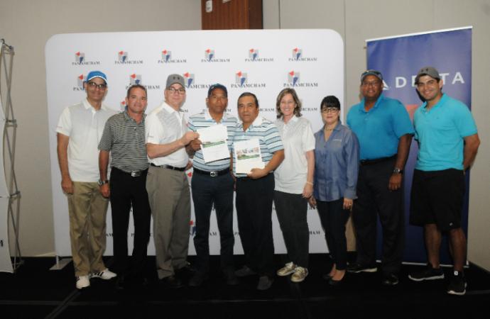 """AmCham realiza con éxito su XVIII Torneo """"El Golfista y el Amigo"""""""