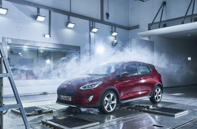 """¿Nieve, sol o lluvia? Ford simula cualquiera de estas condiciones en su """"fábrica del clima"""""""