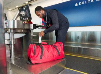 Cómo Delta se está volviendo creativa con su app y su alianza con una compañía nueva para agilizar la entrega de equipaje