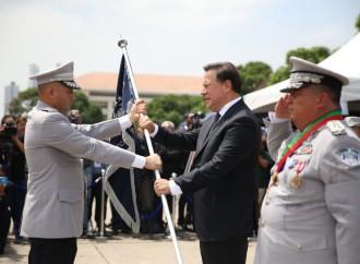 """""""Panamá es un país seguro y de paz"""", afirmó presidente Varela en cambio de mando en la Policía Nacional"""