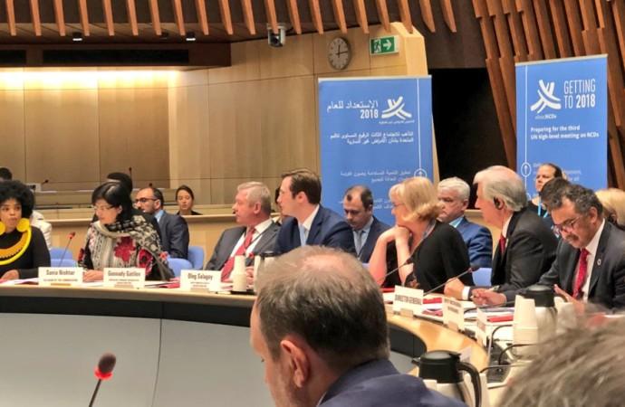 Panel de asesores de la Organización Mundial de la Salud no logran consenso sobre impuesto especial a bebidas azucaradas
