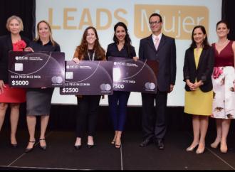 INCAE y Mastercard premian a tres emprendedoras Centroamericanas