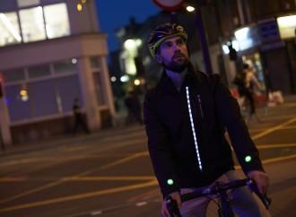 Ford crea chaqueta inteligente que aumenta la seguridad de los ciclistas