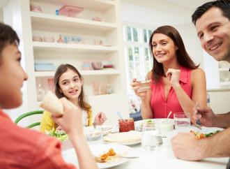 ¿Quieres hijos más sanos? Que tu propósito sea comer más con ellos