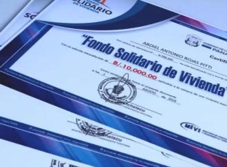 Miviot entregacertificados de Bono Solidario a familias en Chiriquí