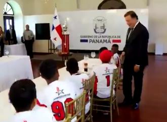 Presidente Varela recibe a campeones del béisbol latinoamericano sub-12