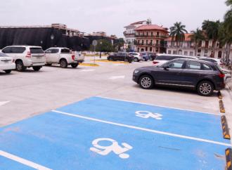 Visitantes del Casco Antiguo disponen de nueva plaza de estacionamientos