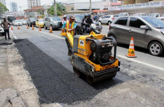MOP repara vía España, vía Fernández de Córdoba y avenida La Paz