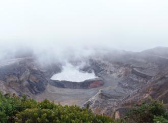 Volcán Poás: Expertos recomiendan promover actividades económicas paralelas