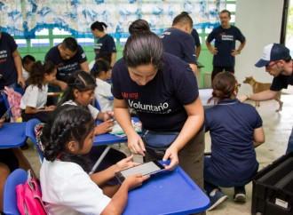 16 Voluntarios Telefónica, de 7 países, donaron sus vacaciones para hacer proyectos sociales en dos escuelas de Chiriquí