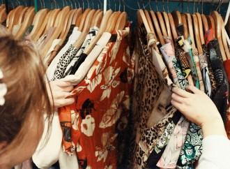 Los chilenos dedican más tiempo a las compras de ropa y calzado