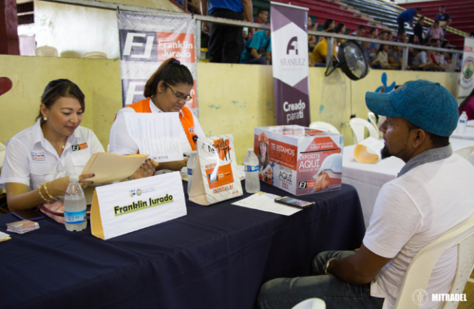 Empresa privada chiricana apoyó feria de empleo