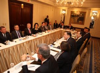 Presidente Varela expuso ante directivos de agencias calificadoras y bancos corresponsales el desempeño de la plataforma financiera del país