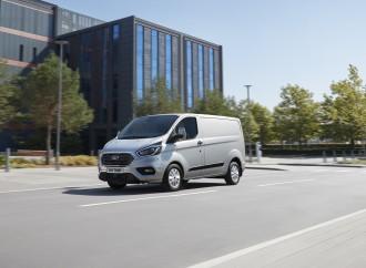 La Transit Custom de Ford amplía su liderazgo con un modelo híbrido enchufable y características mejoradas