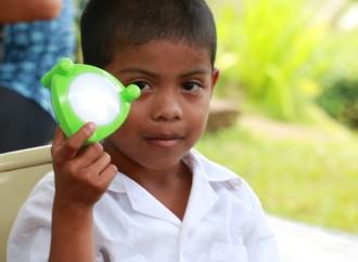 Panasonic celebra su centenario con proyecto de lámparas solares en Capira