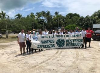 El Parque Eólico Laudato Si´ se une a jornada nacional de limpieza de playas