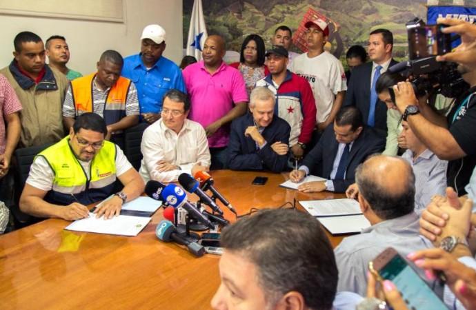 Aproximadamente 100 mil trabajadores beneficiados por convenios colectivos firmados en 2018