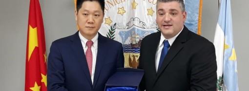 CEO de Shanghai Gorgeous Group recibe llaves de la Ciudad de Colón
