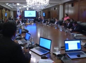 Gobierno del presidente Varela propone fortalecer la carrera de protección civil en Panamá