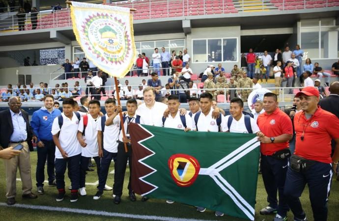 48 equipos de diferentes colegios del país se disputan la Copa Presidente de la República