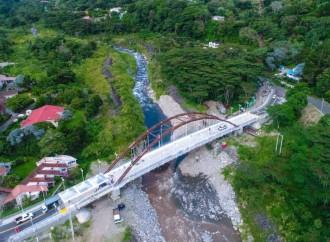 Presidente Varela inauguranuevo puente vehicular Panamonte sobre el río Caldera, en la provincia de Chiriquí