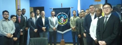 Corporación de Cruceros Carnival entrevista a profesionales panameños para trabajar en sus buques de cruceros
