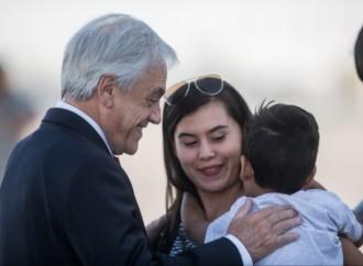 Presidente Piñera da la bienvenida a 99 chilenos repatriados desde Venezuela
