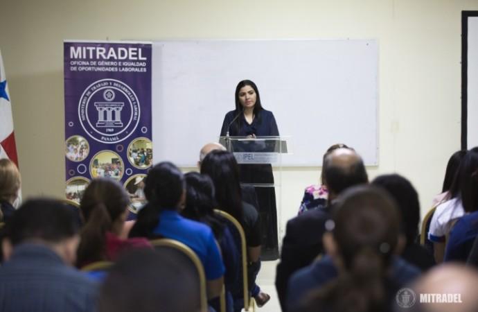 Manifestamos nuestra más rotunda condena contra la violencia a la mujer, Ministra Santamaría