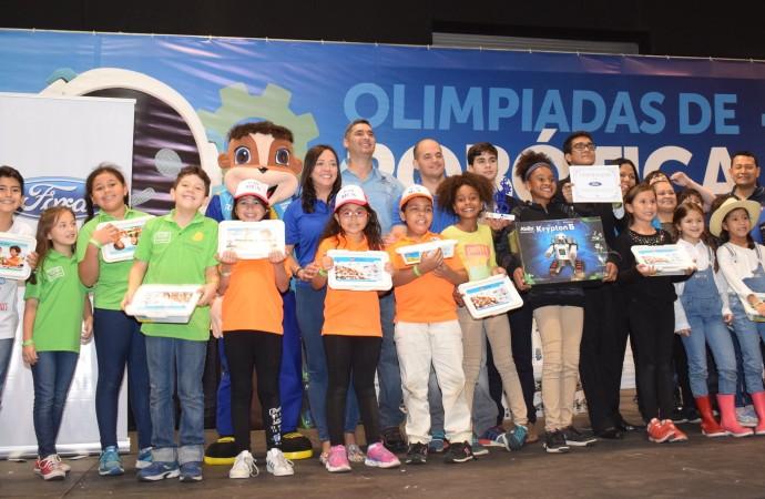 Ford entrega premio a la escuela más innovadora y con mayor participación de niñas durante la Olimpiada Nacional de Robótica 2018