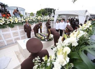 Actos oficiales en mausoleo del primer Presidente de la República dieron inicio a los actos del mes de la Patria
