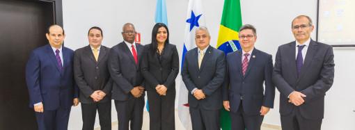 """Ministra Santamaría: """"MITRADEL es respetuoso de los principios y derechos fundamentales en el trabajo"""""""