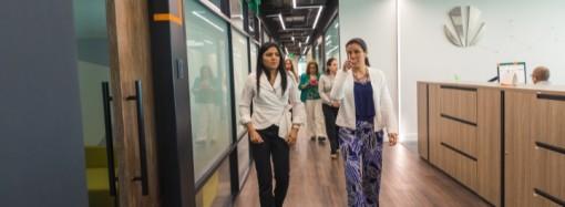 Sello de Igualdad de Género busca disminuir las brechas salariales, Ministra Santamaría