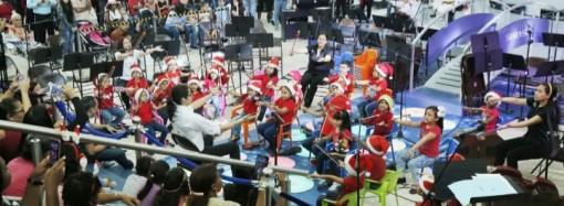 """Red de Orquestas y Coros de Panamá realizóun espectacular concierto en elMultiplaza como parte de la gira""""Navidad Sinfónica 2018"""