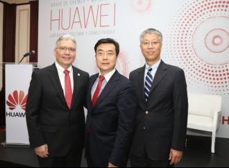 Huawei Presenta Libro: Liderazgo Cultura y Conectividad enPanamá